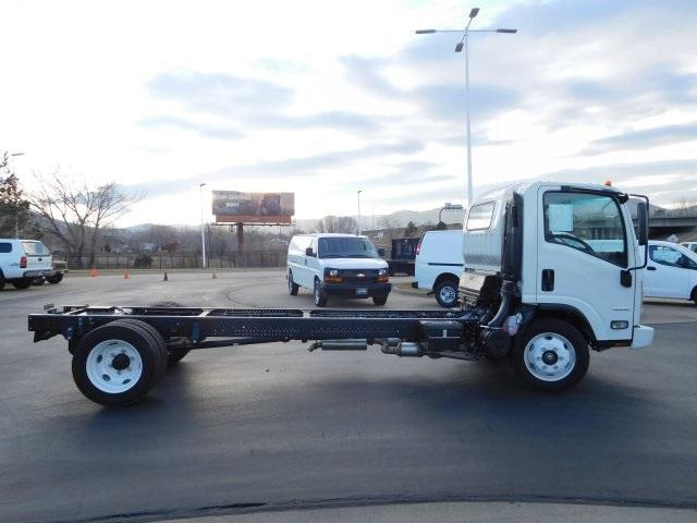 2017 Low Cab Forward Regular Cab, Cab Chassis #75885 - photo 3