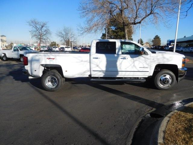 2018 Silverado 3500 Crew Cab 4x4, Pickup #85371 - photo 3