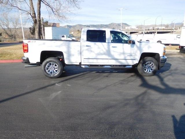 2018 Silverado 3500 Crew Cab 4x4, Pickup #85533 - photo 3