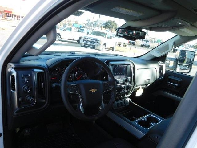 2018 Silverado 3500 Crew Cab 4x4, Pickup #85533 - photo 4