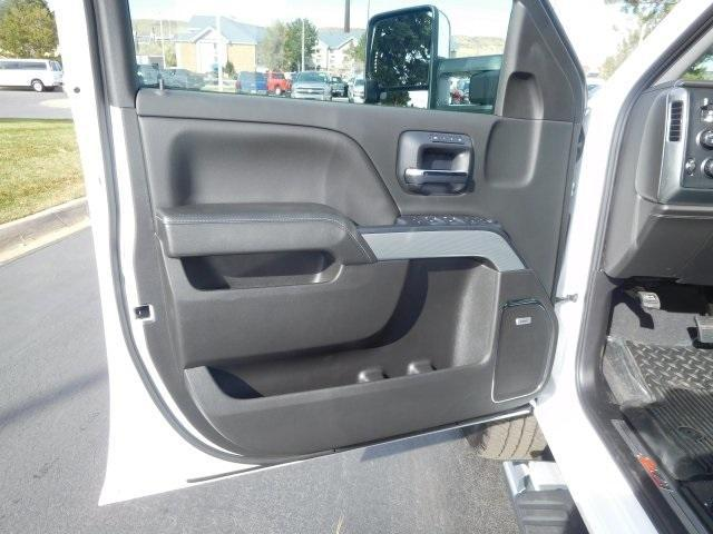 2019 Silverado 2500 Crew Cab 4x4,  Pickup #95274 - photo 16