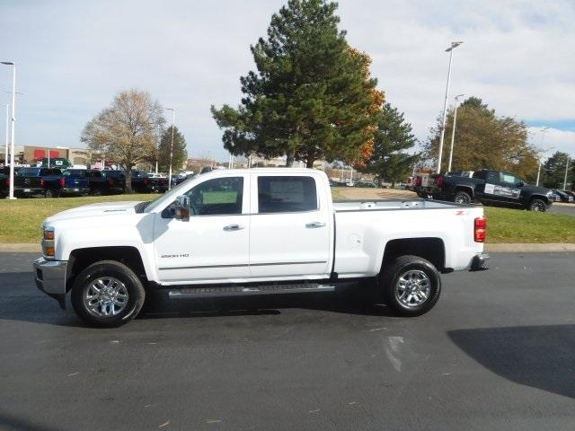 2019 Silverado 2500 Crew Cab 4x4,  Pickup #95274 - photo 6