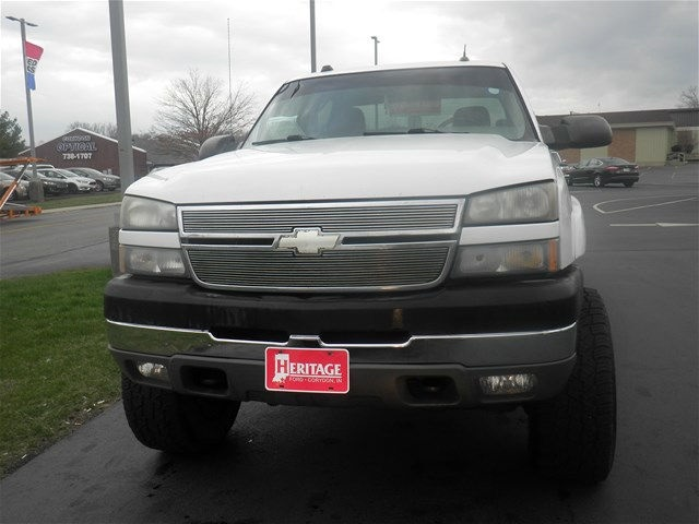 2005 Silverado 2500 Crew Cab 4x4, Pickup #F931272W - photo 2