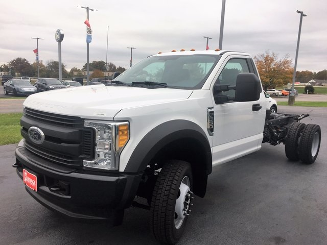 2017 F-550 Regular Cab DRW 4x4 Cab Chassis #HEB81622 - photo 4
