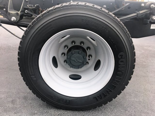 2017 F-550 Regular Cab DRW 4x4 Cab Chassis #HEB81622 - photo 32