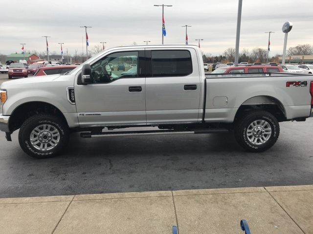 2017 F-250 Crew Cab 4x4 Pickup #HEF45123 - photo 5