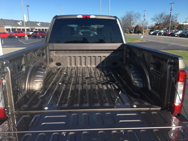 2018 F-250 Crew Cab 4x4, Pickup #JEB06777 - photo 11
