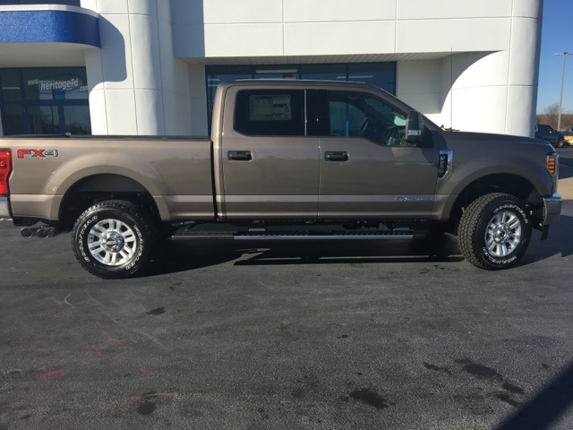 2018 F-250 Crew Cab 4x4, Pickup #JEB06777 - photo 12
