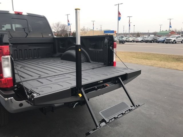 2018 F-250 Crew Cab 4x4, Pickup #JEB34925 - photo 13