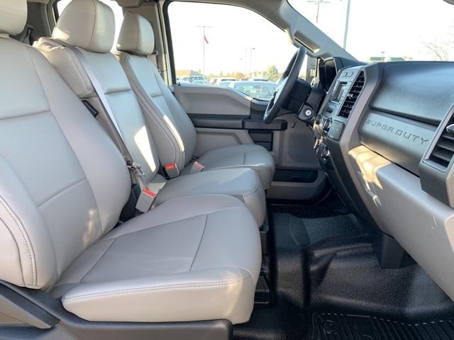 2019 F-350 Super Cab DRW 4x4, Knapheide PGND Gooseneck Platform Body #KEG57643 - photo 28