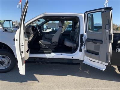 2019 F-350 Super Cab DRW 4x4, Knapheide PGND Gooseneck Platform Body #KEG57643 - photo 32