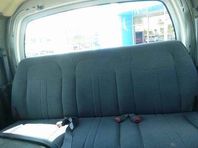 2009 GMC C6500 Crew Cab 4x2, Cab Chassis #FM0191 - photo 18