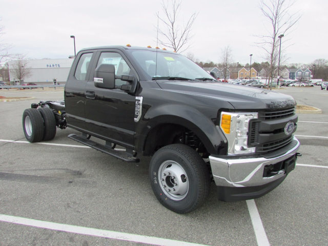 2017 F-350 Super Cab DRW 4x4, Cab Chassis #17371 - photo 4