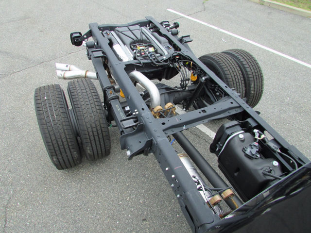 2017 F-350 Regular Cab DRW 4x4 Cab Chassis #17661 - photo 12