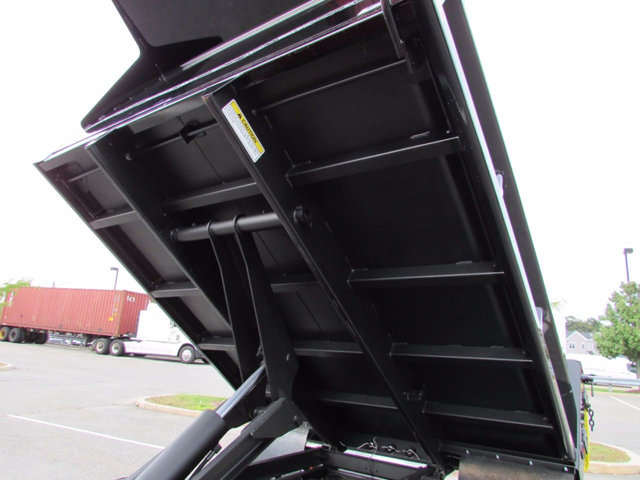 2017 F-550 Regular Cab DRW 4x4, Dump Body #17900 - photo 19