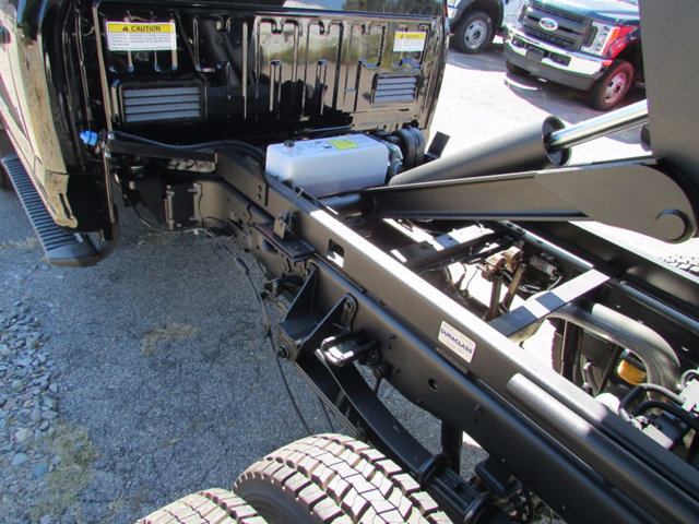2017 F-550 Regular Cab DRW 4x4, Dump Body #17901 - photo 24