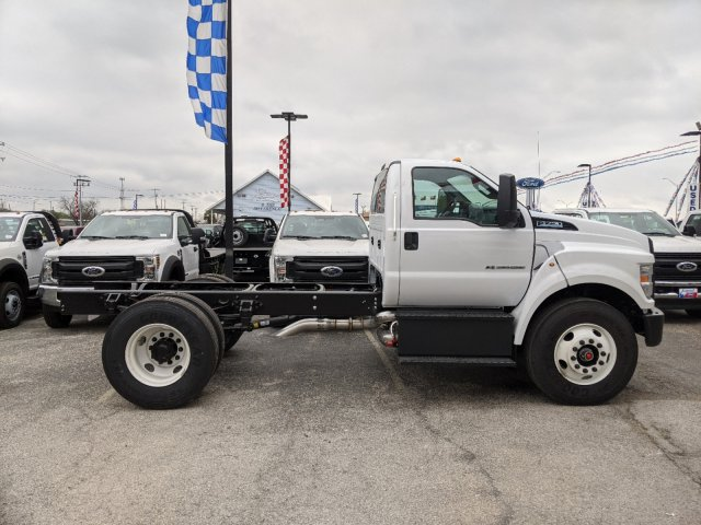 2021 Ford F-750 Regular Cab DRW 4x2, Cab Chassis #TDF01908 - photo 4