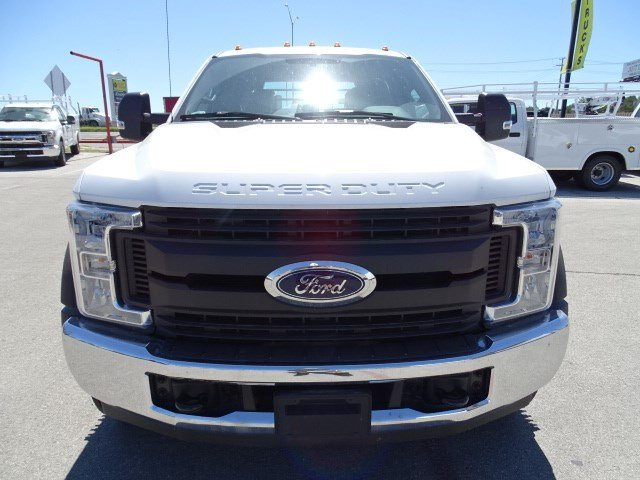 2017 F-550 Crew Cab DRW, Royal Flatbed #TEB42261 - photo 9