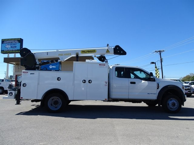 2019 F-550 Super Cab DRW 4x4,  Palfinger PAL Pro 43 Service Body #TEC16343 - photo 2