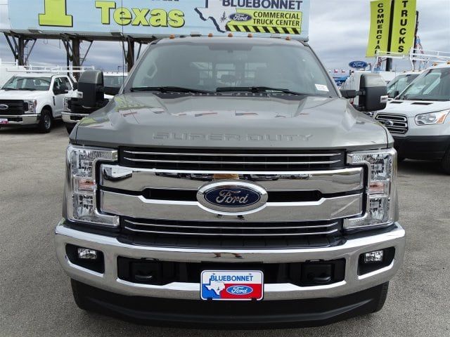 2019 F-350 Crew Cab DRW 4x4,  CM Truck Beds Flatbed #TEC97986 - photo 18