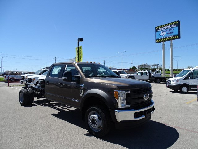 2017 F-550 Crew Cab DRW 4x4, Cab Chassis #TED17270 - photo 3