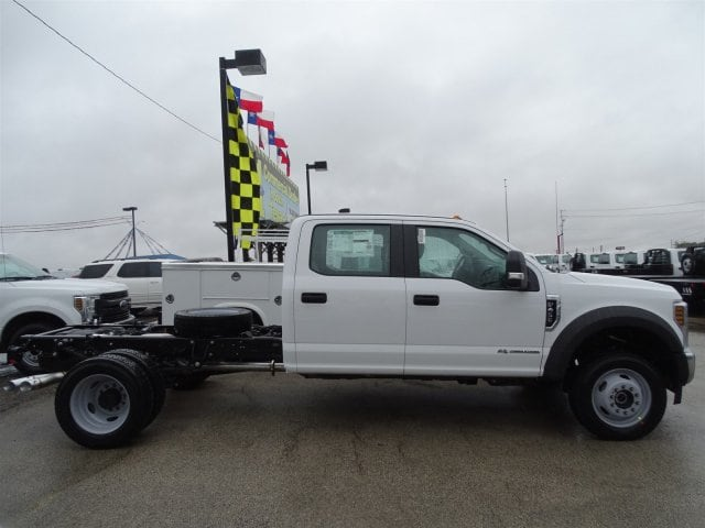 2019 F-450 Crew Cab DRW 4x4,  Cab Chassis #TED27242 - photo 3