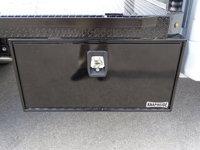 2017 F-550 Regular Cab DRW Flatbed #TEE73256 - photo 28