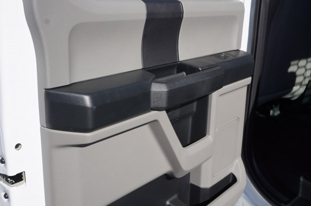 2019 Ford F-550 Crew Cab DRW 4x4, CM Truck Beds RD Model Flatbed #TEF21556 - photo 16