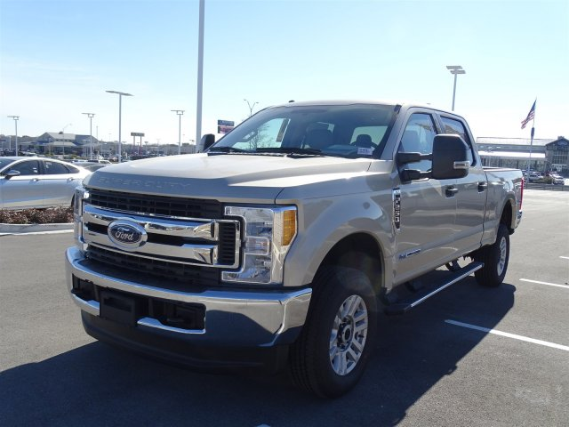 2017 F-250 Crew Cab 4x4 Pickup #TEF36583 - photo 8