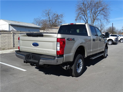 2017 F-250 Crew Cab 4x4 Pickup #TEF36583 - photo 2
