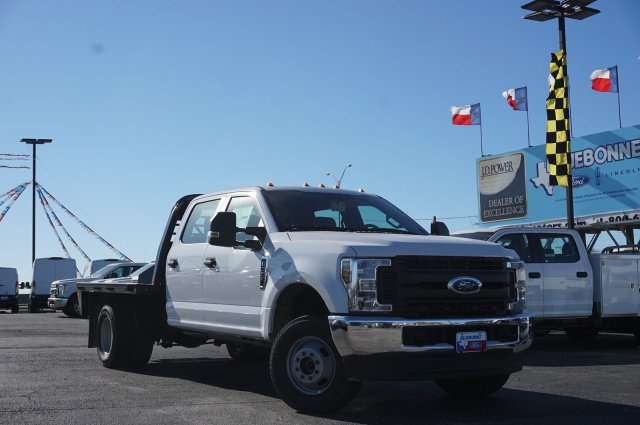 2019 Ford F-350 Crew Cab DRW 4x4, CM Truck Beds Flatbed #TEF61827 - photo 1