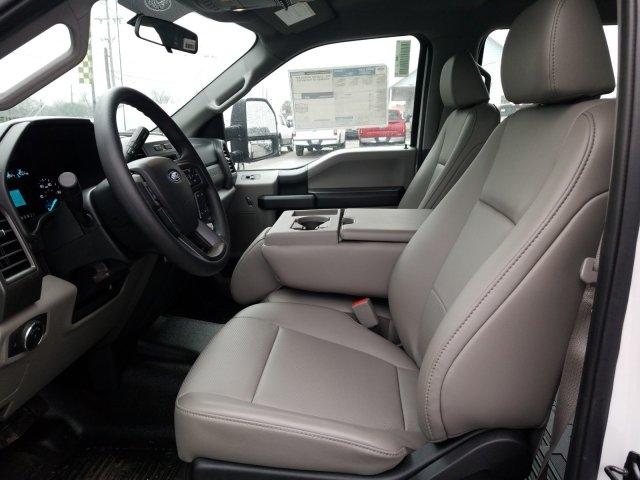 2019 Ford F-550 Crew Cab DRW 4x4, General Truck Body Gooseneck Flatbed #TEG58305 - photo 10