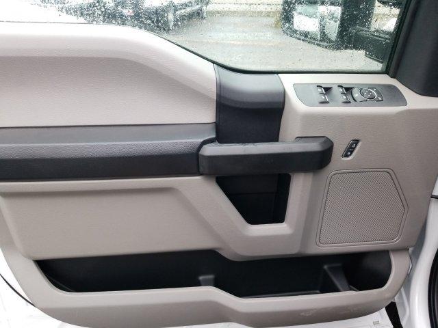 2019 Ford F-550 Crew Cab DRW 4x4, General Truck Body Gooseneck Flatbed #TEG58305 - photo 13