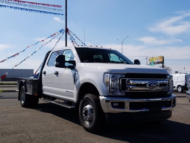 2019 Ford F-350 Crew Cab DRW 4x4, CM Truck Beds SK Model Flatbed #TEG80920 - photo 1