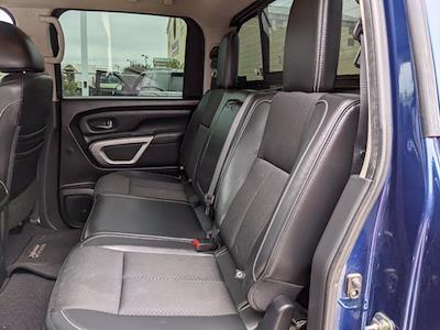 2017 Nissan Titan Crew Cab 4x4, Pickup #UN536125 - photo 15