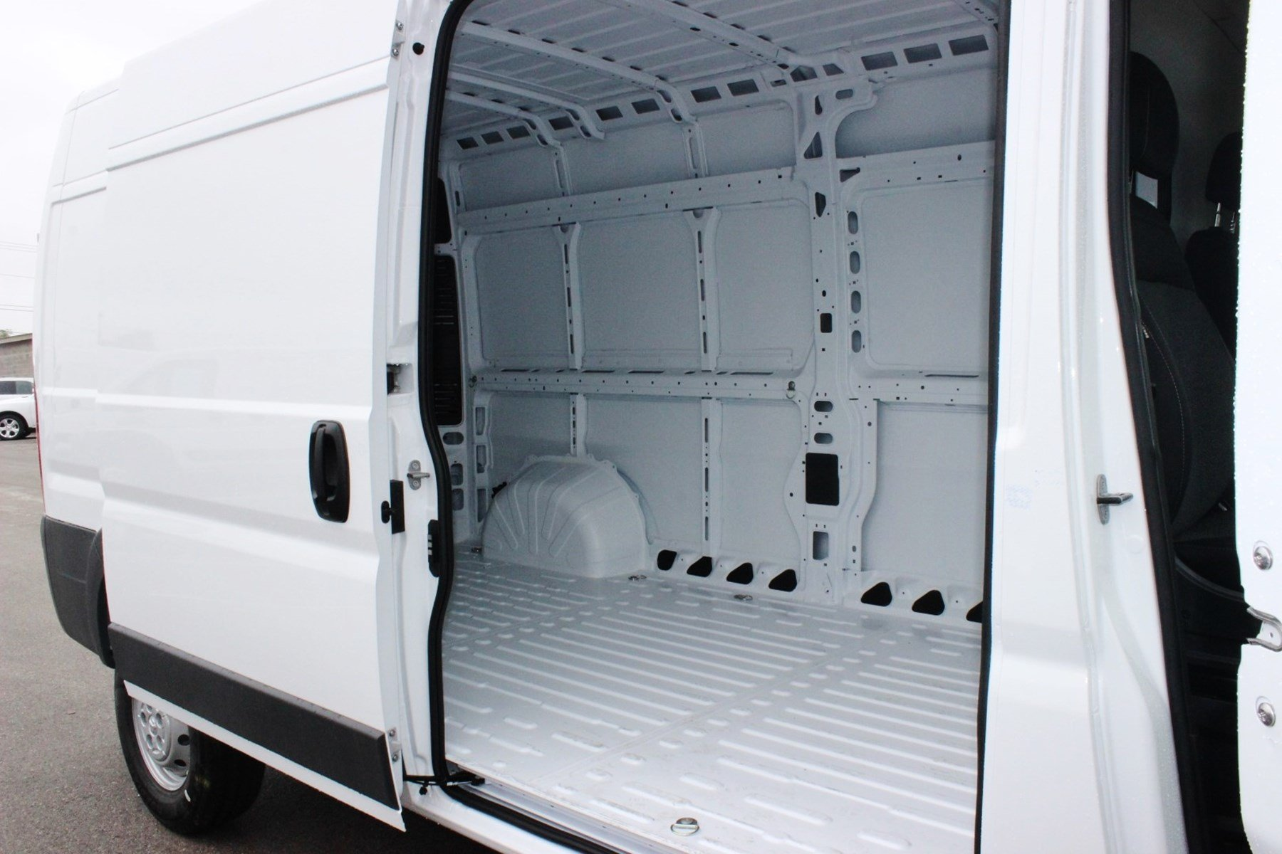 2018 ProMaster 2500 High Roof,  Empty Cargo Van #SE108047 - photo 11