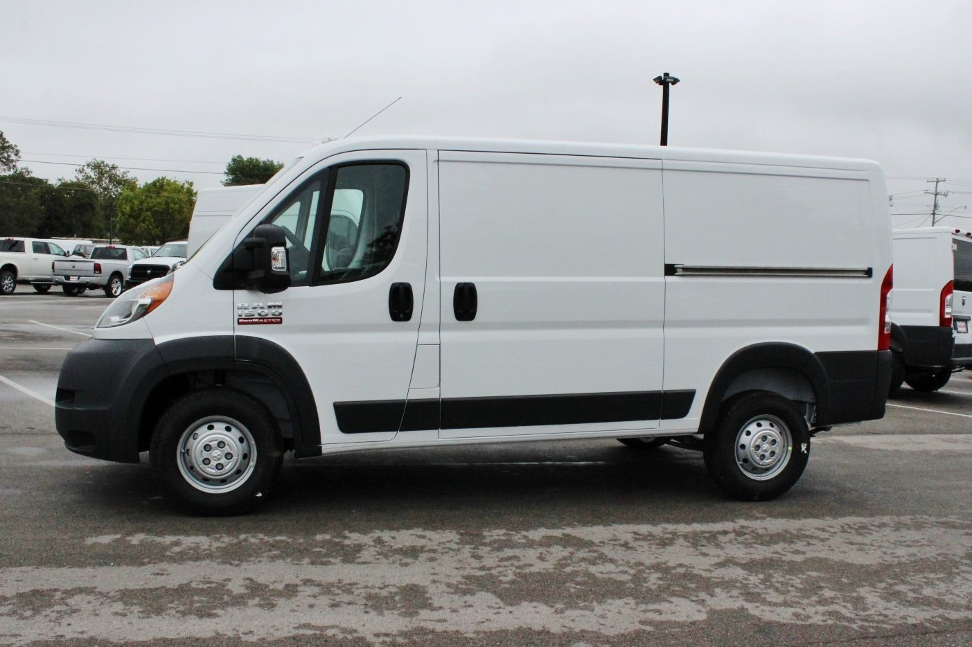 2018 ProMaster 1500 Standard Roof 4x2,  Empty Cargo Van #SE108504 - photo 3