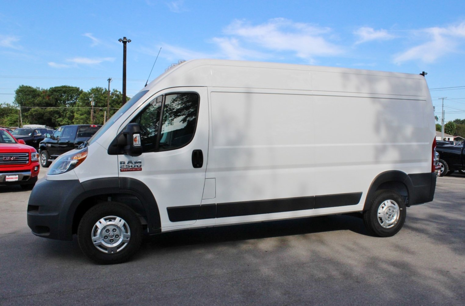 2017 ProMaster 1500 Low Roof Cargo Van #SE551684 - photo 4
