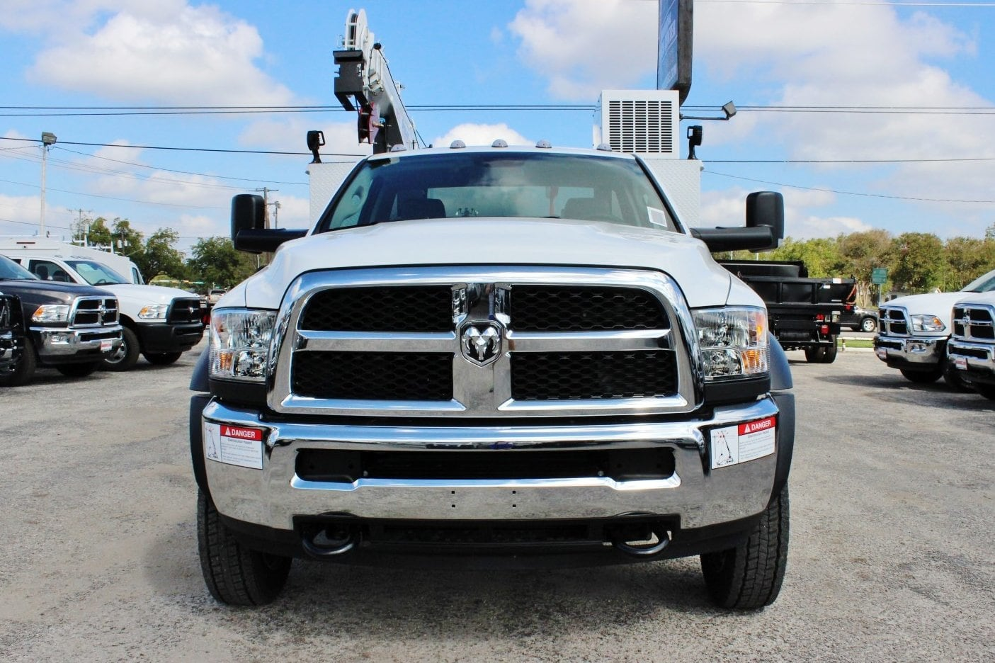 2018 Ram 5500 Regular Cab DRW 4x4 Service Body #TG102978 - photo 6