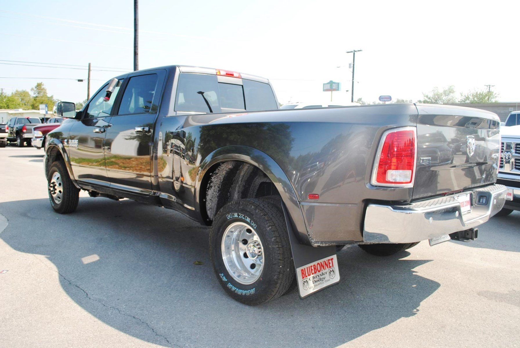 2018 Ram 3500 Crew Cab DRW 4x4 Pickup #TG103477 - photo 2