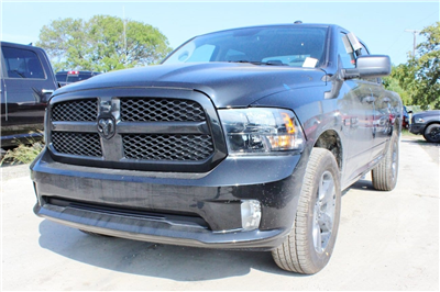 2018 Ram 1500 Crew Cab 4x4, Pickup #TG123339 - photo 3