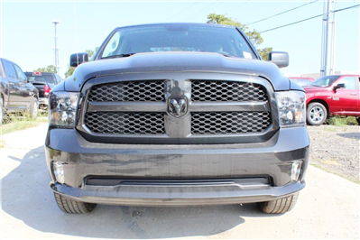 2018 Ram 1500 Crew Cab 4x4, Pickup #TG123339 - photo 4
