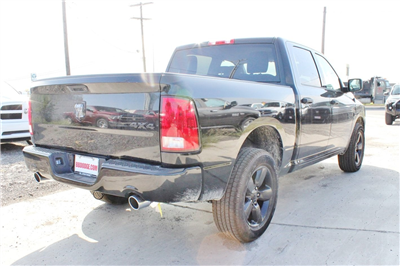 2018 Ram 1500 Crew Cab 4x4, Pickup #TG123339 - photo 2