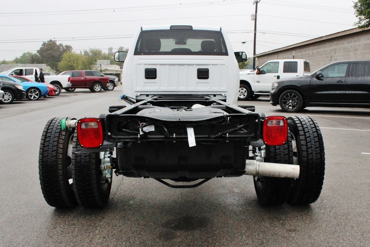 2018 Ram 5500 Regular Cab DRW Cab Chassis #TG128756 - photo 10