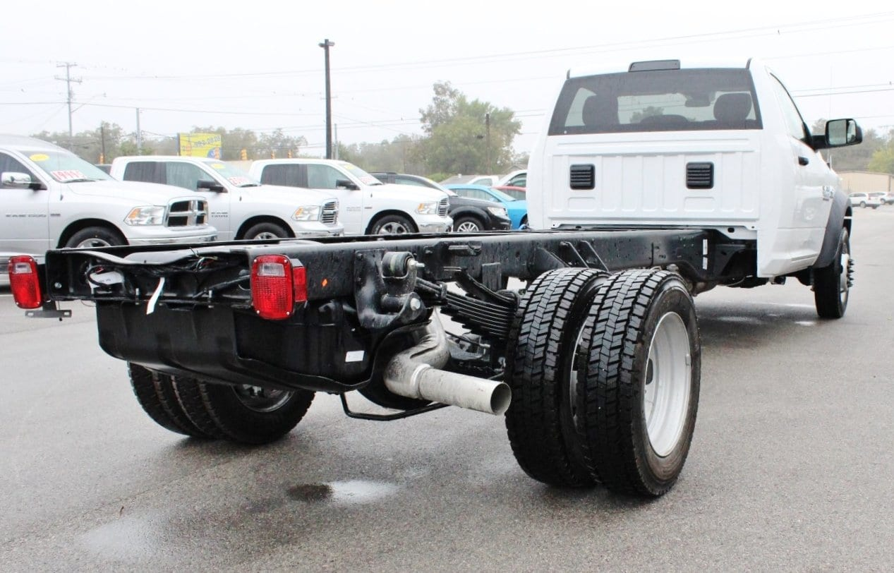 2018 Ram 5500 Regular Cab DRW Cab Chassis #TG128756 - photo 2