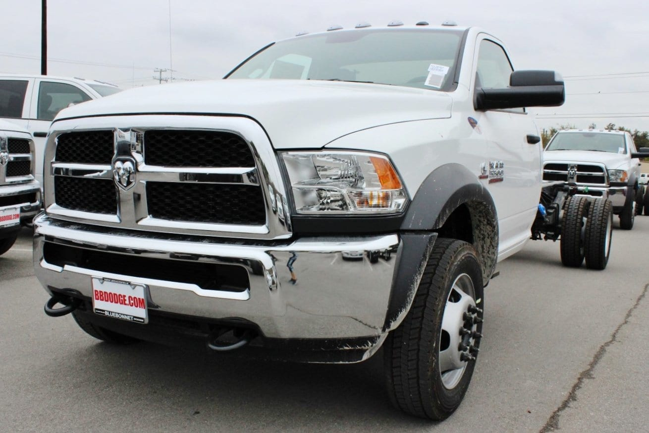 2018 Ram 5500 Regular Cab DRW Cab Chassis #TG128757 - photo 3
