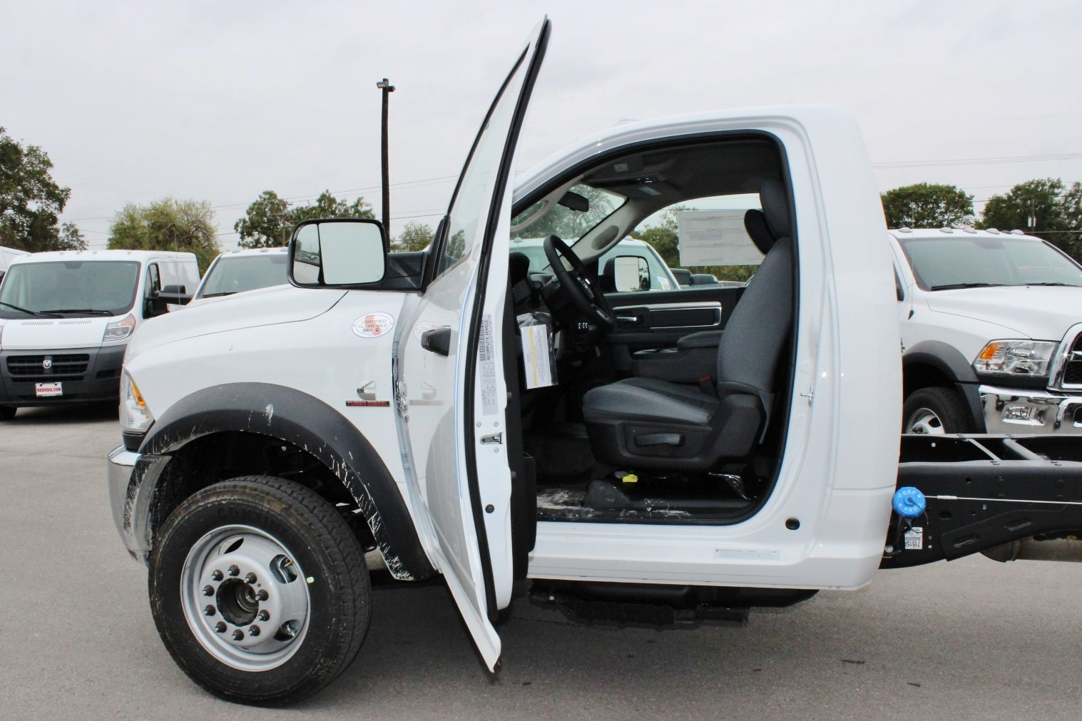 2018 Ram 5500 Regular Cab DRW Cab Chassis #TG128757 - photo 12