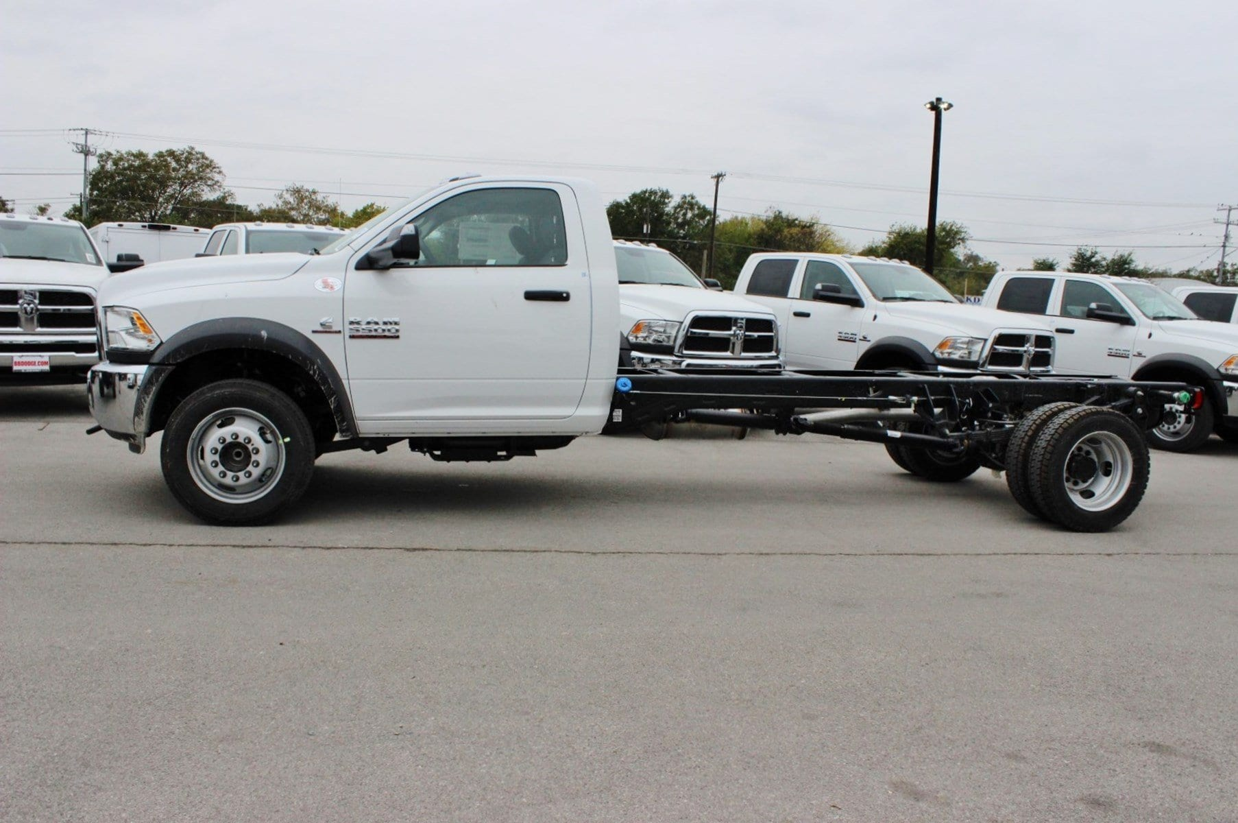 2018 Ram 5500 Regular Cab DRW Cab Chassis #TG128757 - photo 4