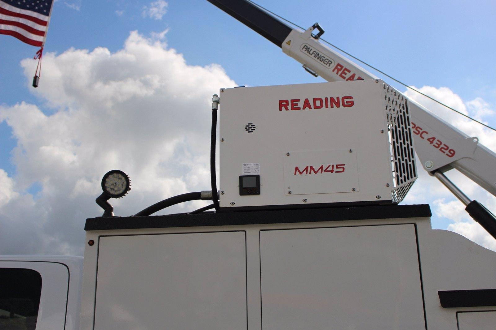 2020 Ram 5500 Crew Cab DRW 4x4, Reading Master Mechanic HD Crane Service Body #TG130027 - photo 3