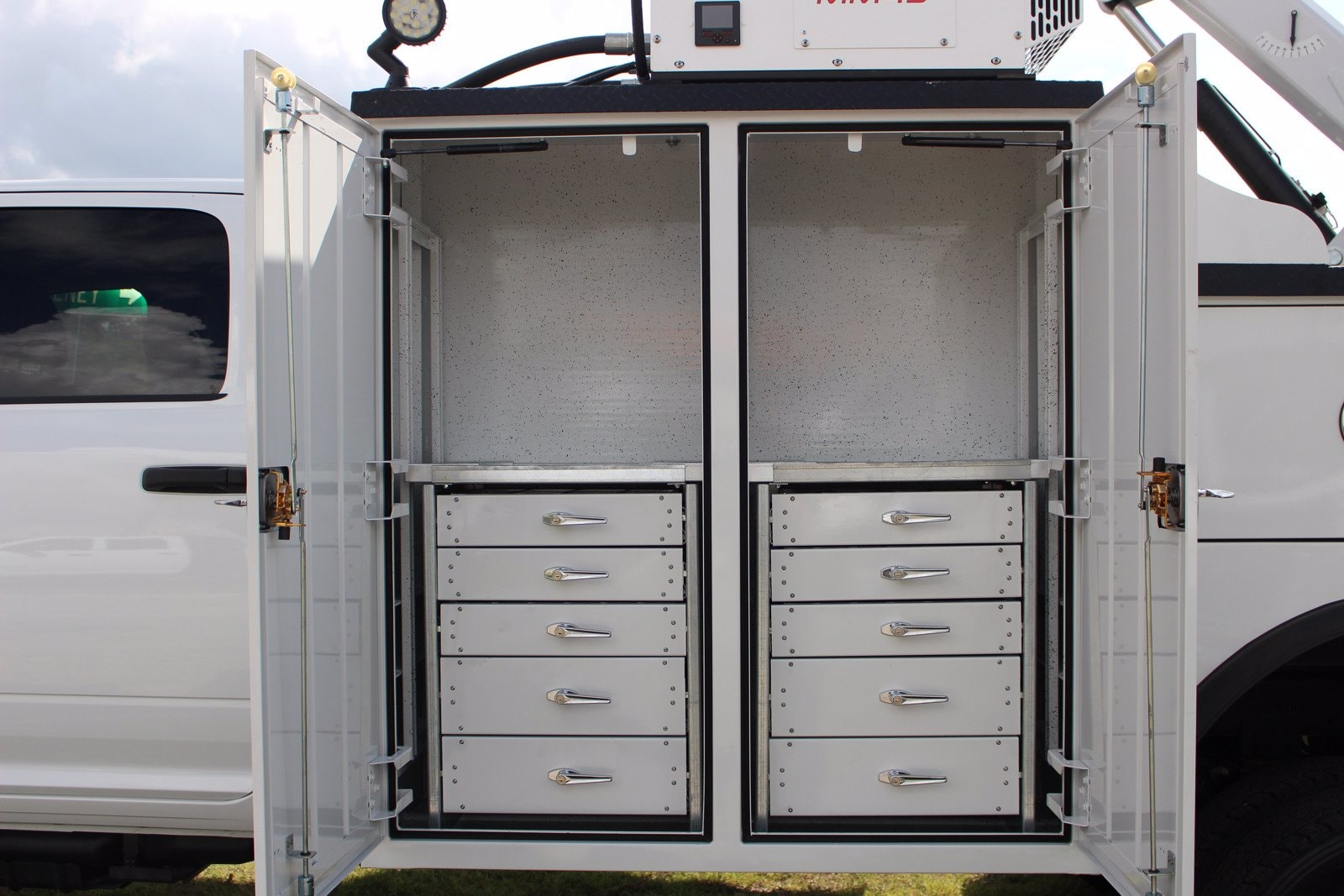2020 Ram 5500 Crew Cab DRW 4x4, Reading Master Mechanic HD Crane Service Body #TG130027 - photo 4